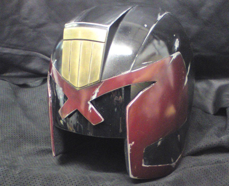 "New Judge Dredd helmet photos scream, ""I am the law, this is my hat."""