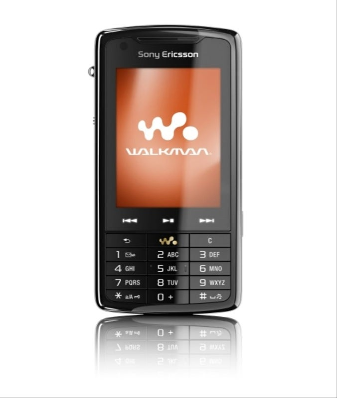 Sony Ericsson's w960 with 8GB, WiFi, Touch and the W910's Shake Controller