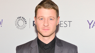 "Ryan from <i>The O.C.</i> Likes Sex With ""Pink Fluffy"" Handcuffs, Whoa"