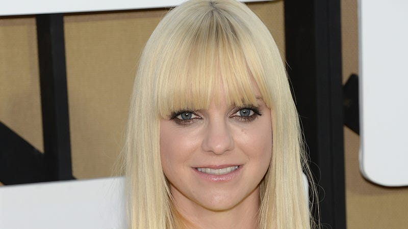 Anna Faris Wants to Play a Drunk, Asexual Nanny