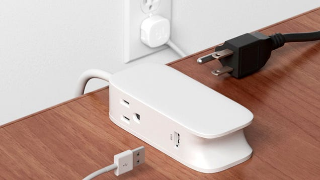 This Outlet Extender Just Made Airport Lounges Slightly More Bearable
