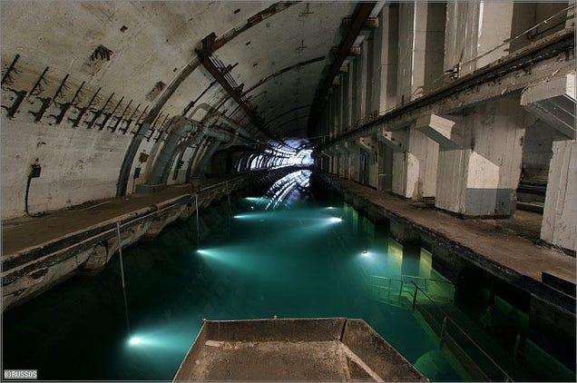 El distópico mundo de las bases de submarinos abandonadas 805315681752826797