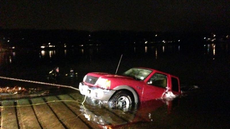 MIT Students Design R/C Boat, Sink Truck Trying To Tow It