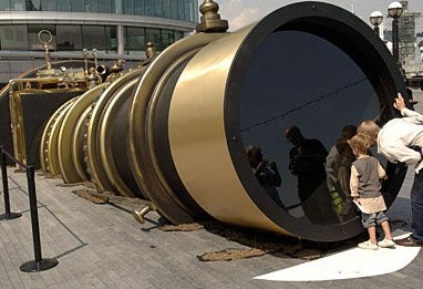 Massive Steampunk-y Telectroscope Lets You See From New York to London