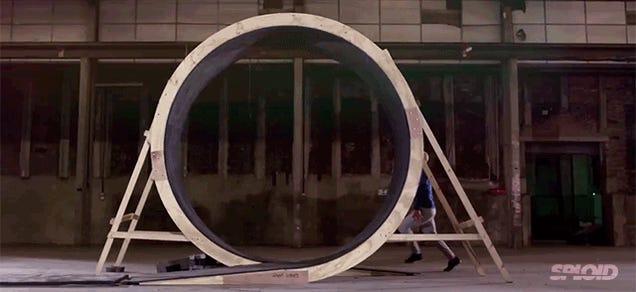 Video: Man defies gravity by running upside down in a 360-degree loop