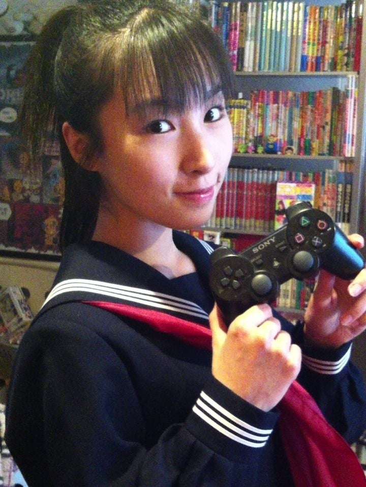 The Young Girl Who Loves Old Games