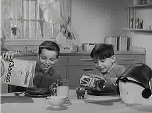 Junior Spacemen Beg Mothers to Buy Vegetable Juice They Won't Drink