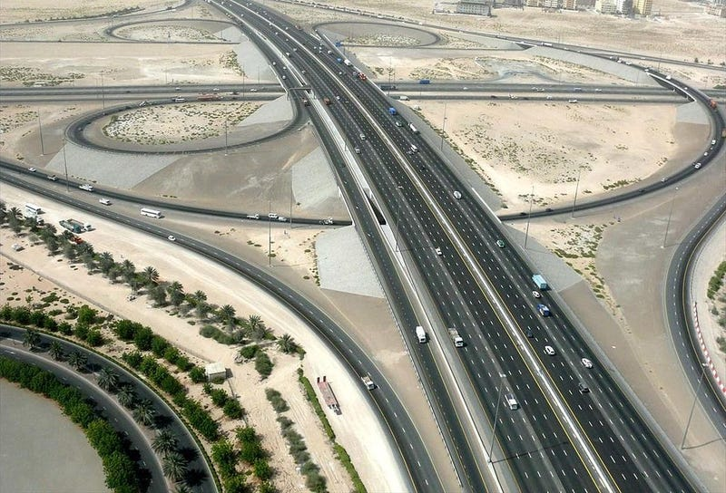 Why Dubai And The UAE Should Have A Derestricted, Autobahn-Style SuperMegaHighway