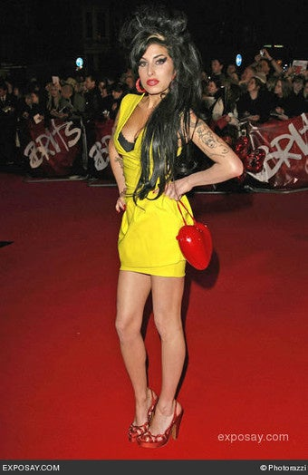 Amy Winehouse Still Punching Folks in the Face