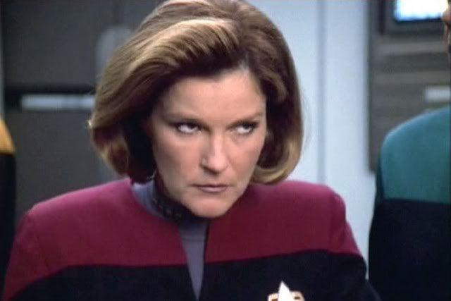 No, Kate Mulgrew Does NOT Believe The Sun Orbits The Earth