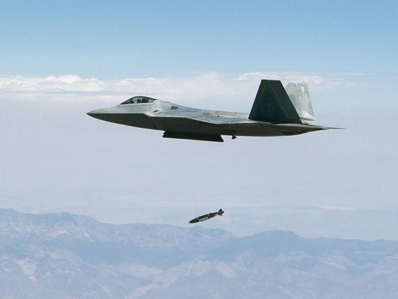 LJDAM Adds GPS and Laser Guidance to Bombs