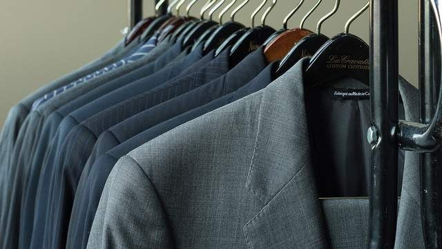 Use These Handy Tests to Make Sure Your Suit Fits Right