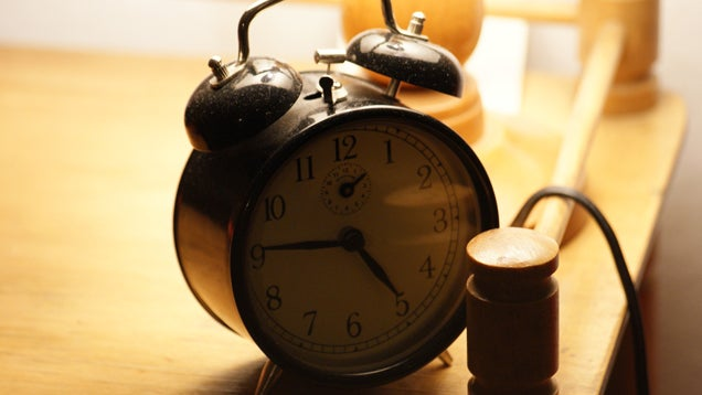 Avoid Morning Time Wasters by Switching to a Traditional Alarm Clock