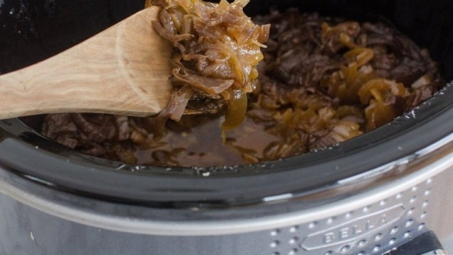 Caramelize Onions and Make Easy French Onion Soup with a Slow Cooker