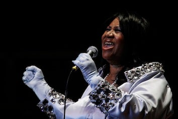 Aretha Franklin At Home After Successful Surgery