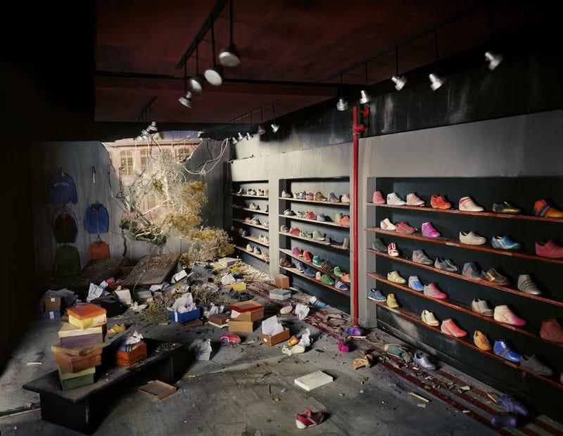 Elaborate Dioramas Model the Apocalypse in Miniature