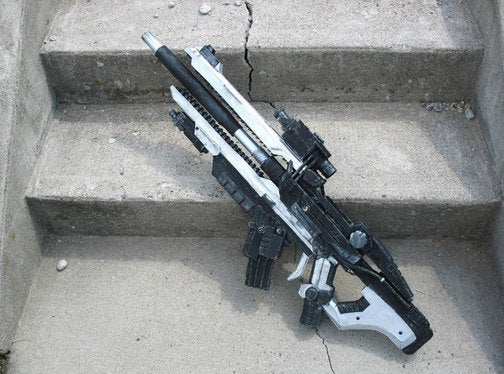 Resistance Fan Gets Crafty, Builds Resistance Rifle
