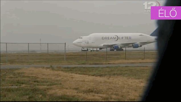 Mindjárt felszáll a Boeing, ami rossz reptéren landolt (update: felszállt)