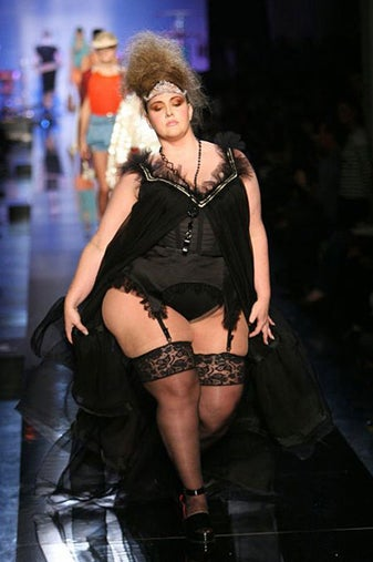 """Plus-Size Model On Plus-Size Issue Of Italian Vogue: """"We Need Fashion To Catch Up To Women Of Size"""""""
