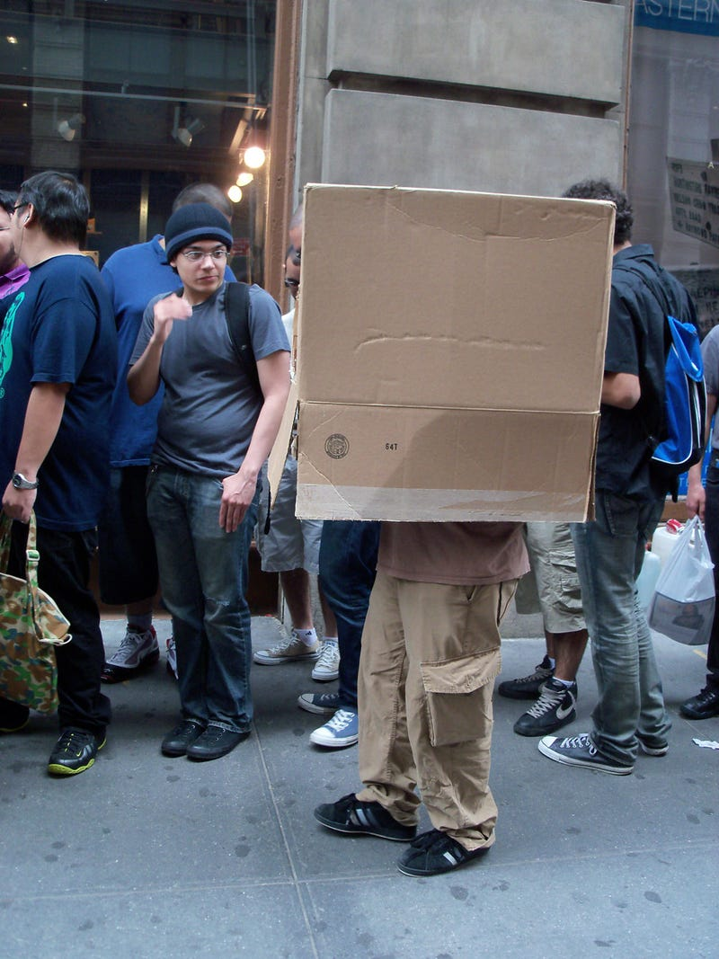 Hideo Kojima Takes Manhattan, Attracts Fans In Boxes