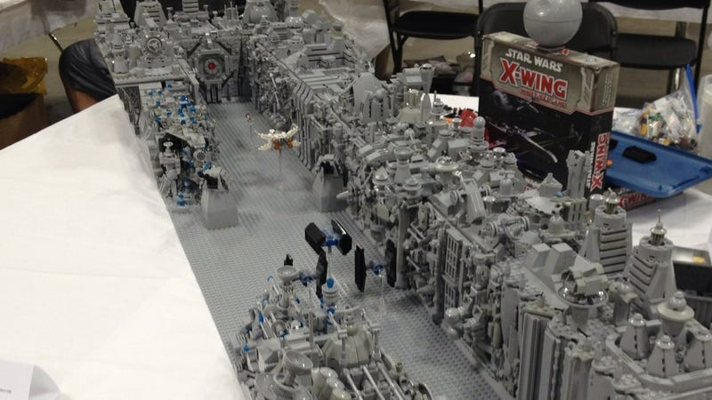 This LEGO Star Wars Trench-Run Is One In A Million