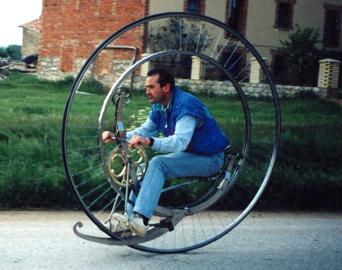 1873 Monocycle Replica Is a Mechanical and Engineering Marvel