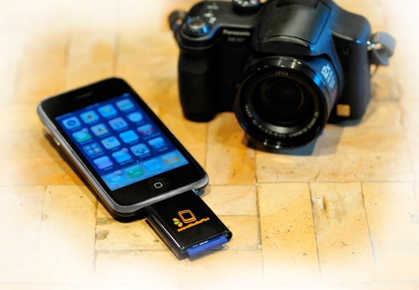 Read SD Cards on Your iPhone With ZoomIt