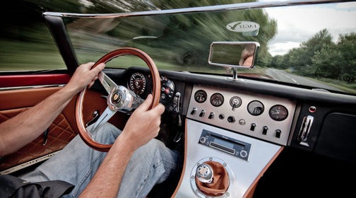 Recreated Jaguar E-Type Speedster Hits 175 MPH