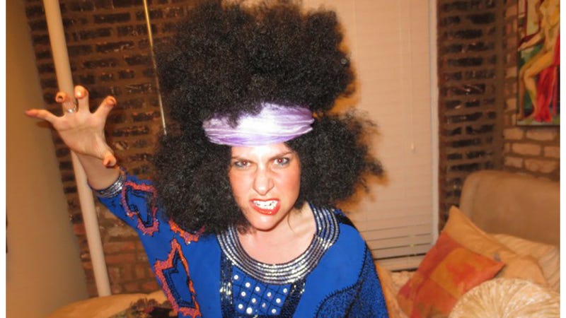 White Woman Sports Afro Wig to Help End Racism