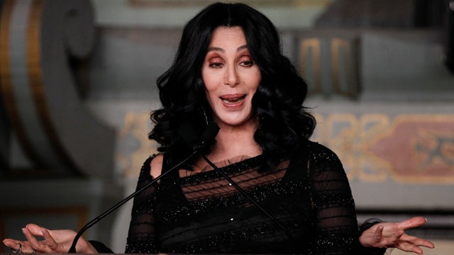 'Can anyone c me': The 19 Most Mystifying Cher Tweets of 2012
