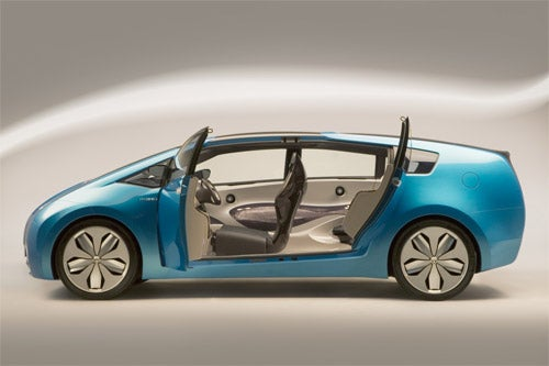 Next Generation Prius Hybrid Is Bigger, More Powerful, With More MPG