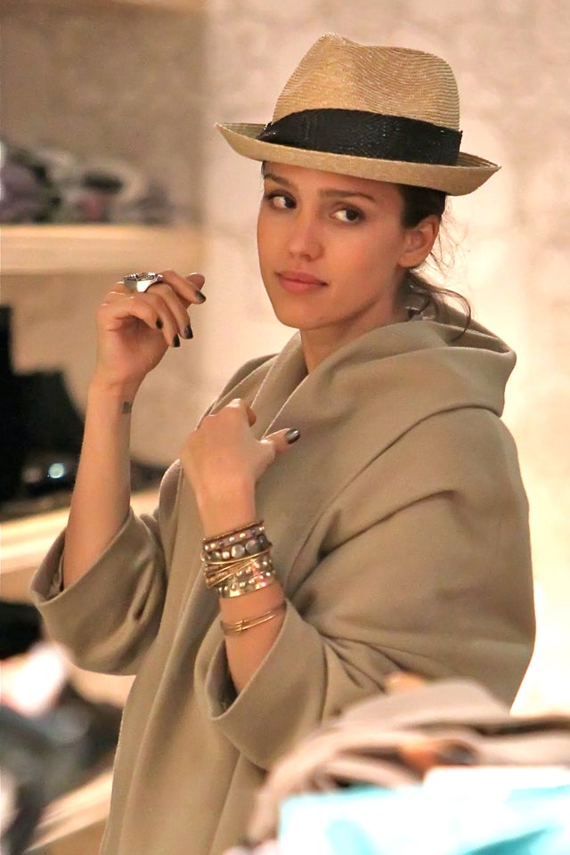Jessica Alba Is Not Sure About This Chapeau