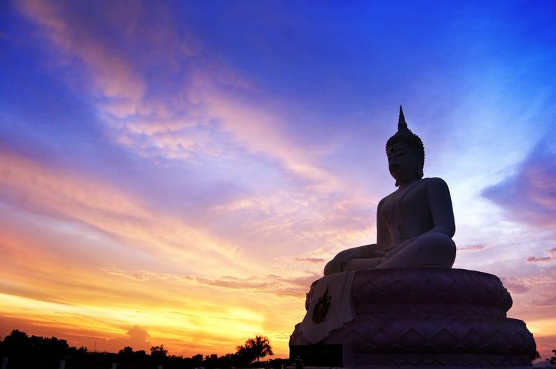 """Zen Koans Explained: """"The Living Buddha & the Tubmaker"""""""