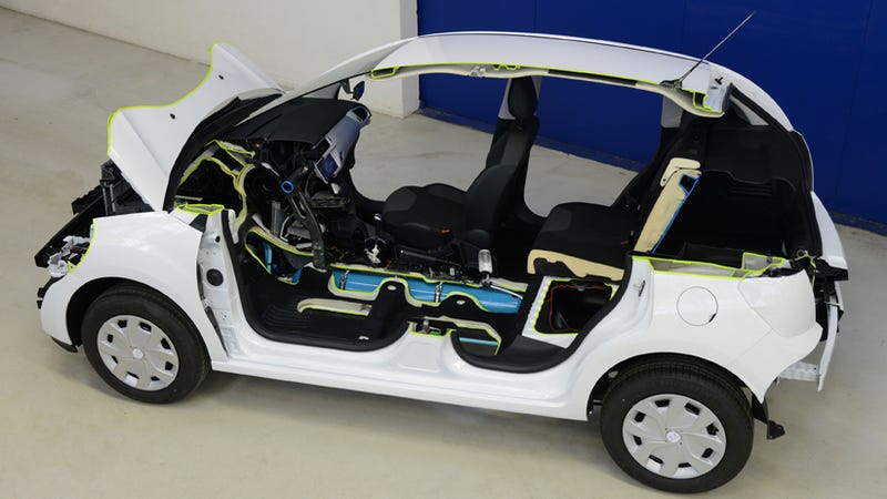 Citroën's Air Hybrid Replaces Batteries With Air