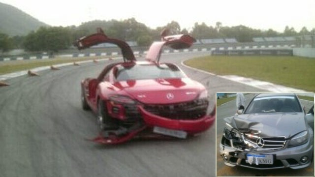 Chinese Journalists Crash Mercedes-Benz SLS And C63 AMG