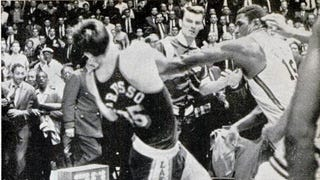 Video Finally Surfaces Of Willis Reed Fighting The Entire Lakers Team