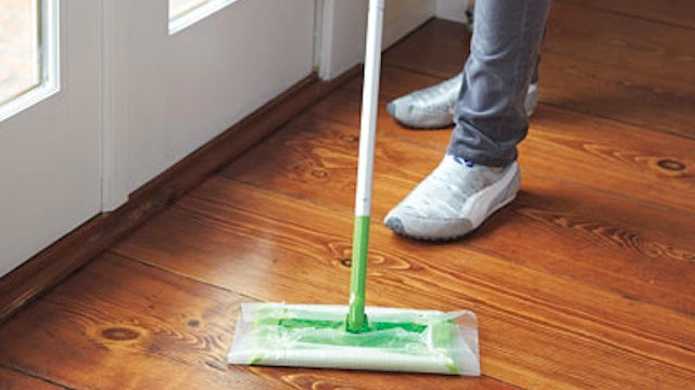 Use Wax Paper as a Replacement for Swiffer Sheets