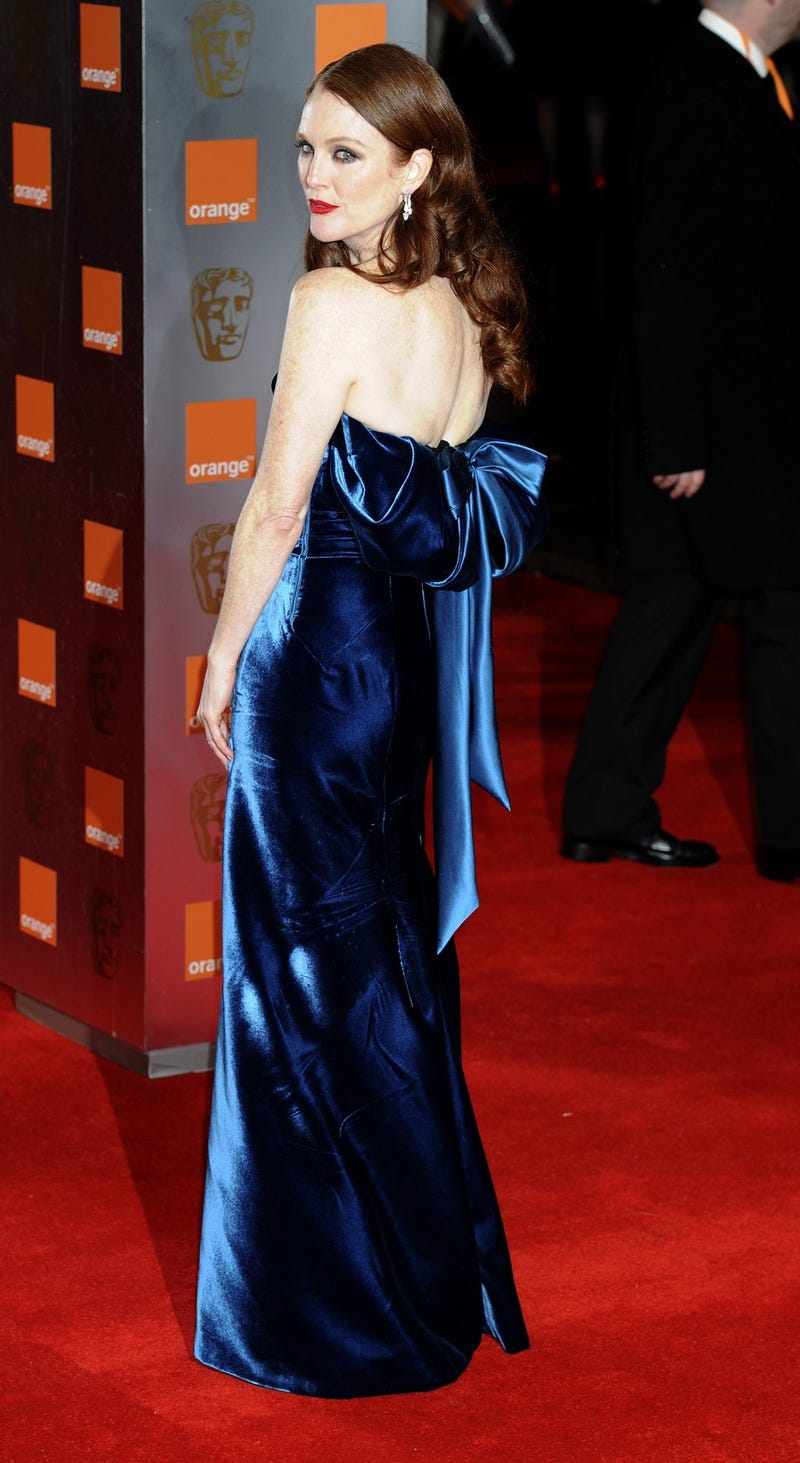 Julianne Moore Has A Nice Azure