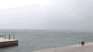 Ez van, ha a tengerparton ér a vihar