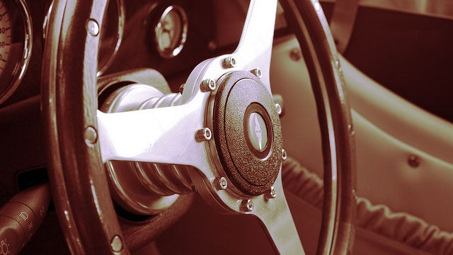 Avoid an Untouchably Hot Steering Wheel by Rotating it 180 Degrees When You Park Your Car