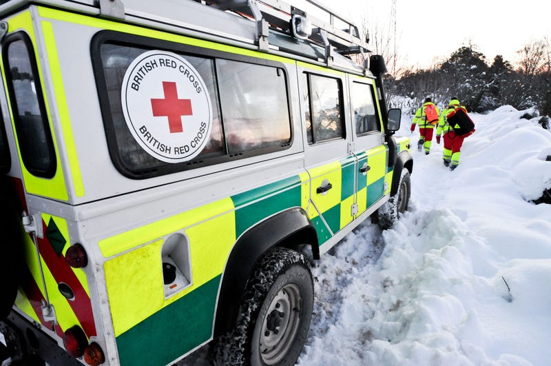 Land Rover Off-Road Ambulances Look Cool Bringing Help To The Hinterland
