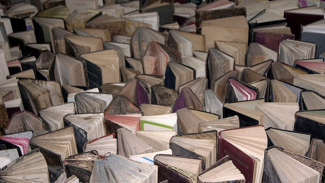 Get rid of that old book smell with cornstarch - Ingenious uses for cornstarch ...