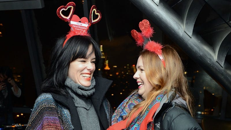 Amber Tamblyn and Parker Posey Adopt Interesting Headgear