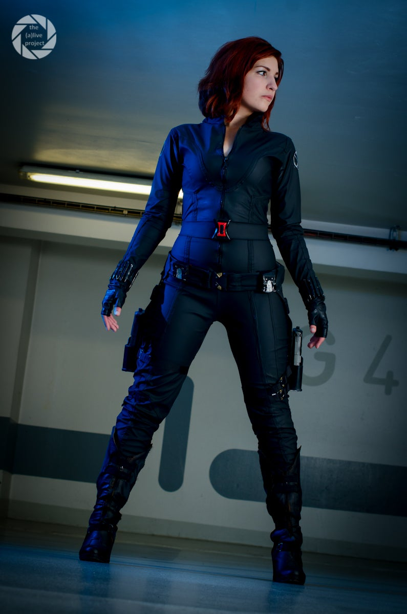 Commander Shepard Will Shoot the Next Cosplayer She Sees