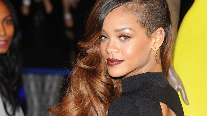 Everyone Thinks Rihanna's Pregnant
