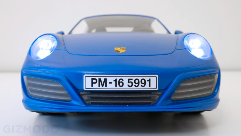 the best car reveal this week might be playmobil 39 s gorgeous new porsche 911 targa 4s gizmodo uk. Black Bedroom Furniture Sets. Home Design Ideas