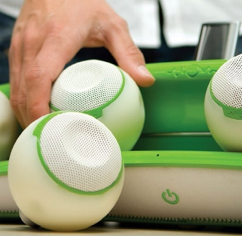 flOw Wireless iPod Speakers Change Their Tune Based On Your Movement