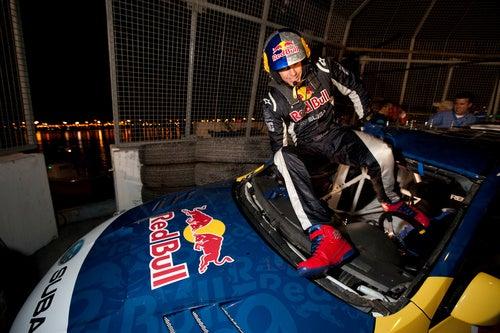 Travis Pastrana New Years 2010 Jump
