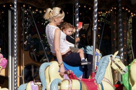 Gwen & Kingston: Bring On The Dancing Horses