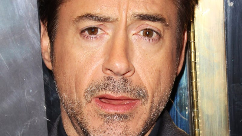 Celebrity Tattletale Is Not Robert Downey Jr., Says Robert Downey Jr.
